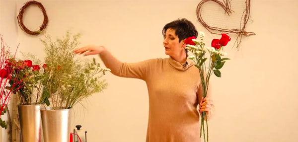 Curso formación floral. Especial San Valentín. El ramo de rosas rojas