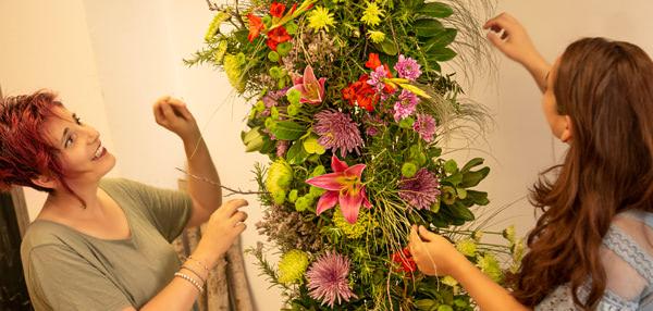 Cursos de formación florista Celine Boroli. Cómo hacer un Arco Bohemio para bodas