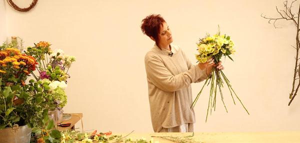 Curso básico de florista. Ramo con flores naturales. Celine Boroli.
