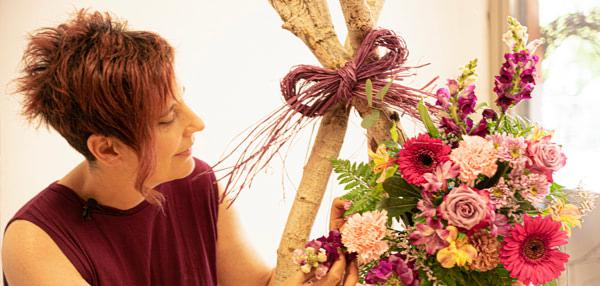 Cursos de formación florista Celine Boroli. Cómo hacer un Tipi Floral para bodas Bohem