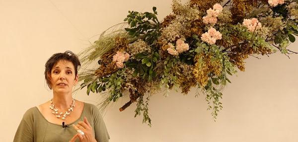 Cursos de formación florista Celine Boroli. Cómo hacer una decoración suspendida