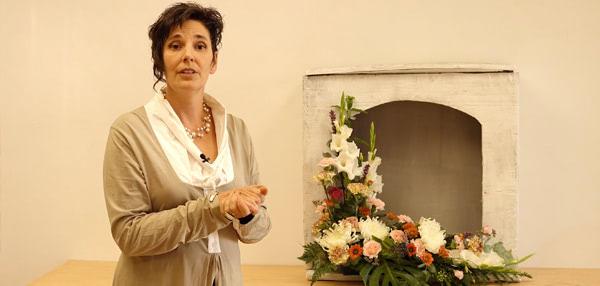 Decoración de Nicho Funerario Actual en forma de L. Curso de formación a distancia online. Ideas de decoración para todos los santos
